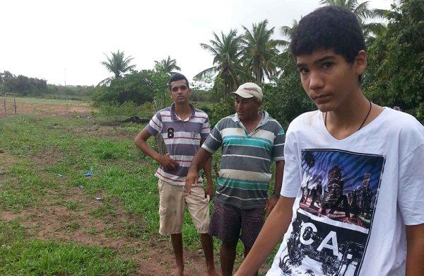 Die Farm wird von professionellen Farmern bestellt. Kinder arbeiten nicht auf der Farm.